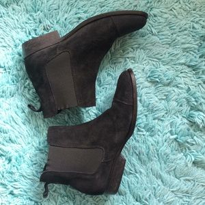 Jeffrey Campbell Black Suede Pull On Boot